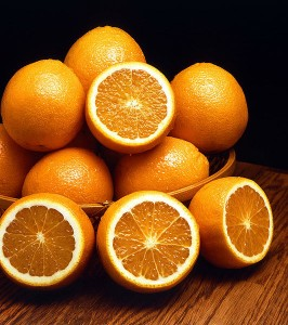 New Study Links Eating Citrus Fruit to Lower Stroke Risk - Image: Oranges, a citrus fruit (courtesy of Wikipedia Commons)