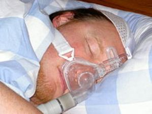 Positive Airway Pressure (PAP) therapy for Sleep Apnea found to reduce high blood pressure (Image courtesy of Wikipedia Commons)